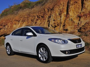 RENAULT Fluence specs & photos  2009, 2010, 2011, 2012
