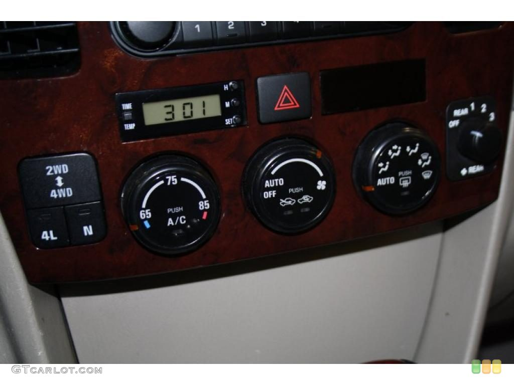 Suzuki Grand Vitara Xl7 Specs Amp Photos 2004 2005 2006