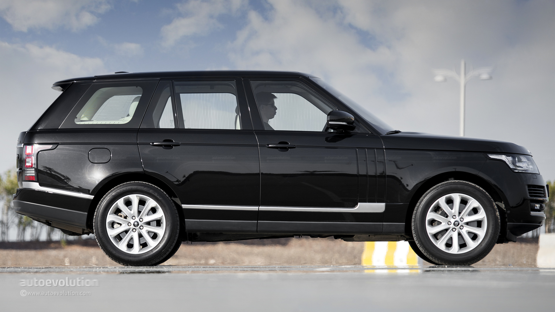 104 144 Jaguar and Range Rover Vehicles Recalled in Three Separate