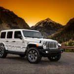 2018 Jeep Wrangler Jl Interior Revealed With Colorful Trim And Larger Display Autoevolution