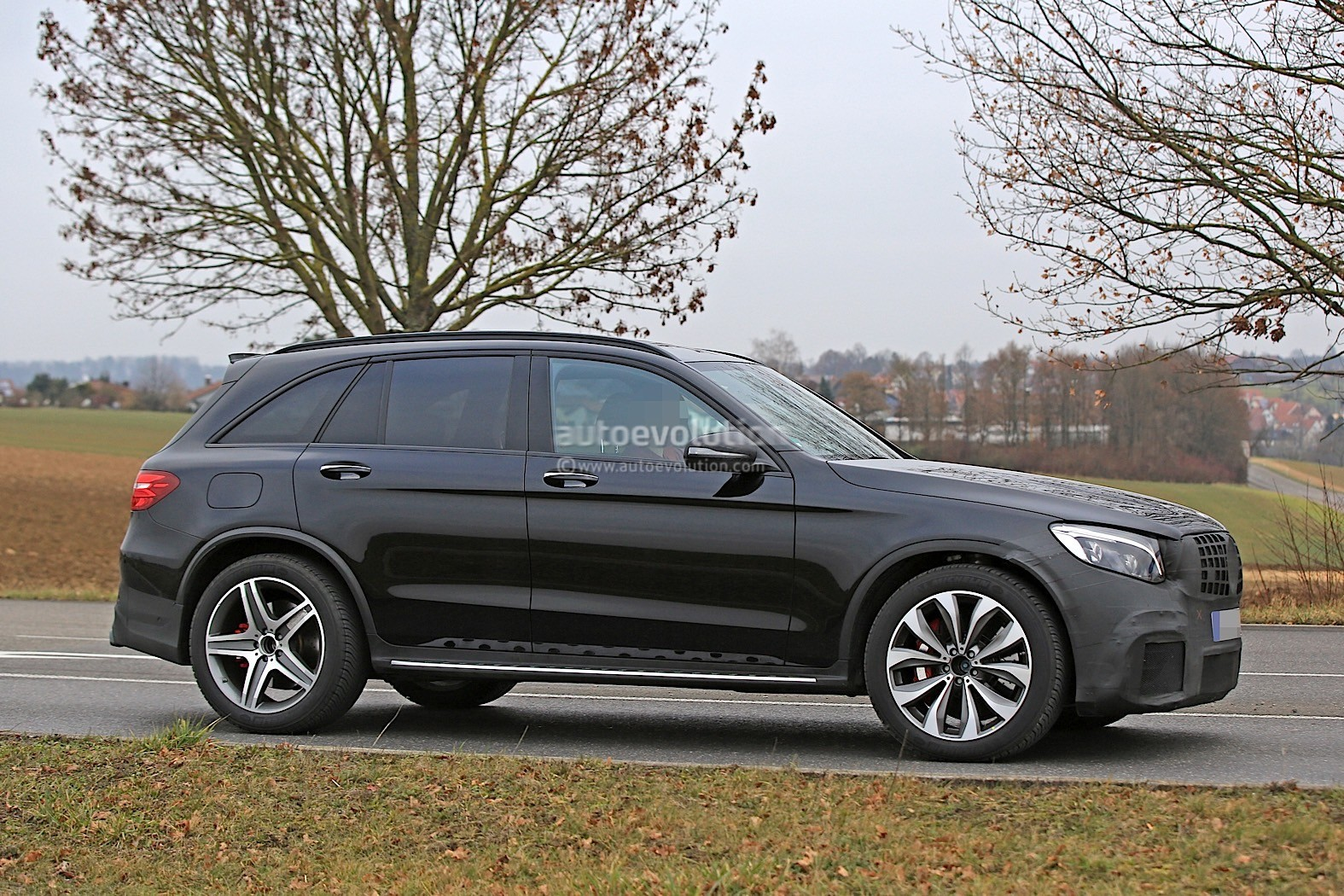2018 Mercedes AMG GLC63 Looks Hungry For BMW X3 Ms In