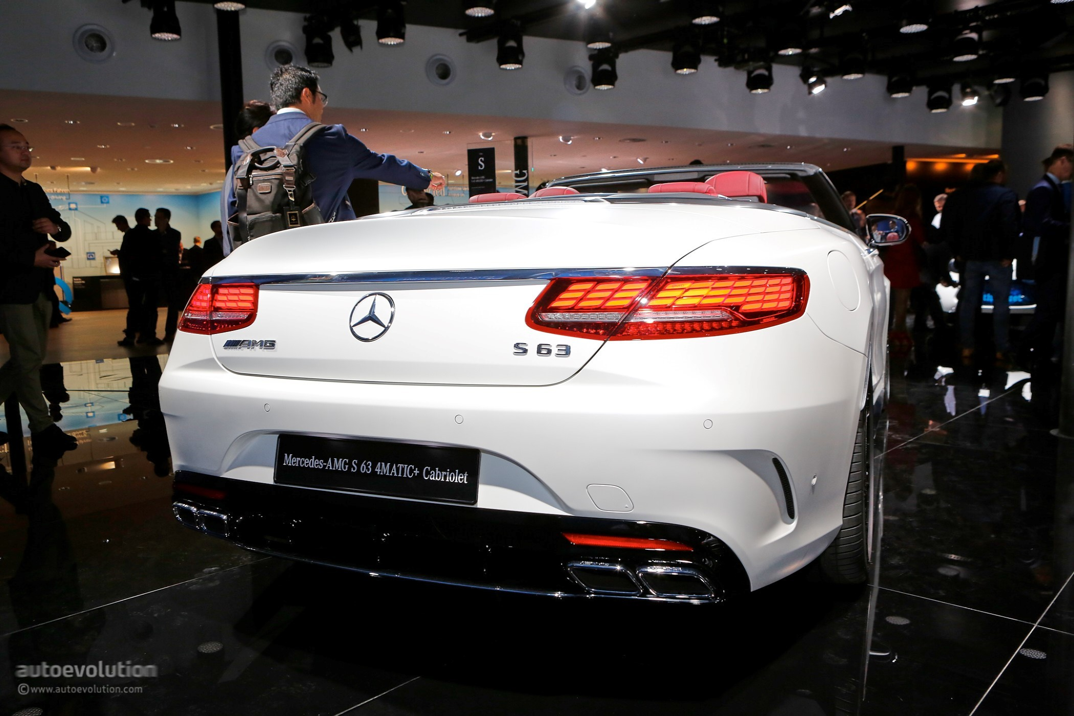 2018 Mercedes Benz S Class CoupeCabriolet Show Off OLED