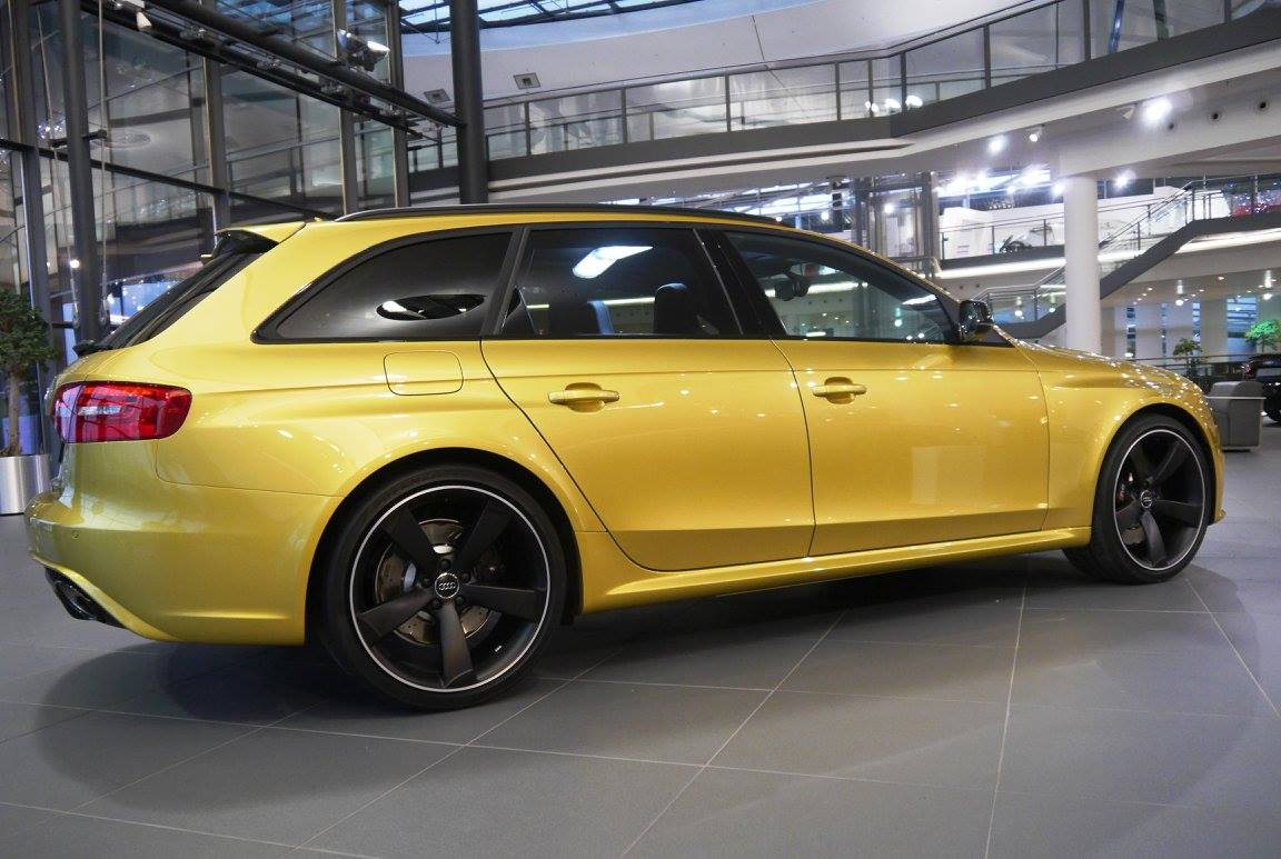Audi RS4 Avant With Austin Yellow Paintjob Spotted Its A