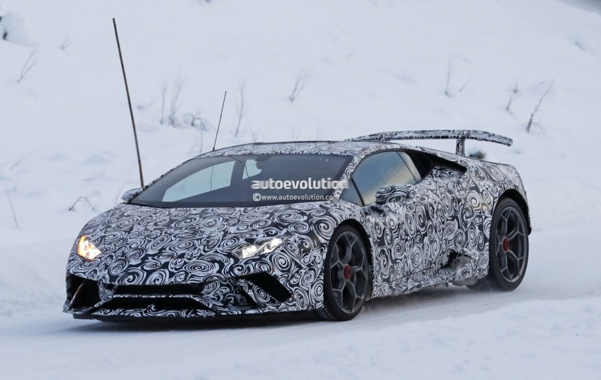 Lamborghini Aventador S vs. 2018 Huracan Performante ...