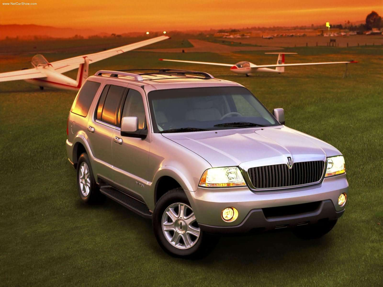 Lincoln Aviator Trademark Hints At A Posher 2016 Ford