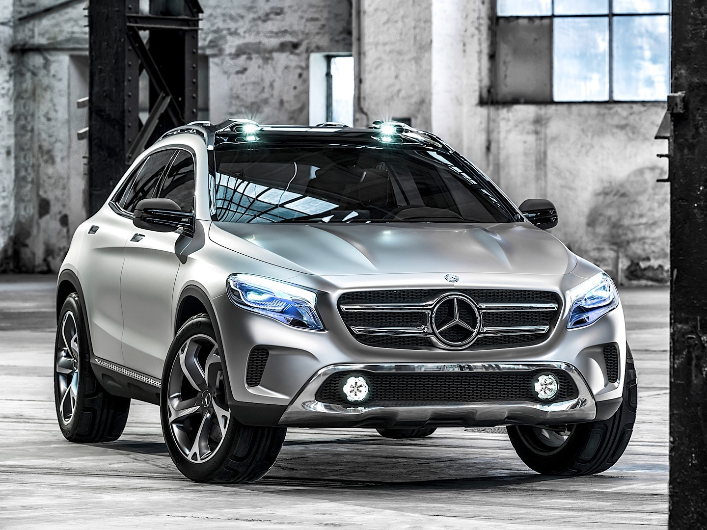 Mercedes Benz GLA Gets First Teaser On YouTube Autoevolution