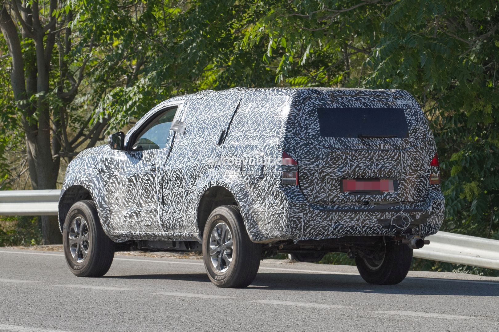 Next Gen 2019 Nissan Pathfinder Spied Shows Radical Front