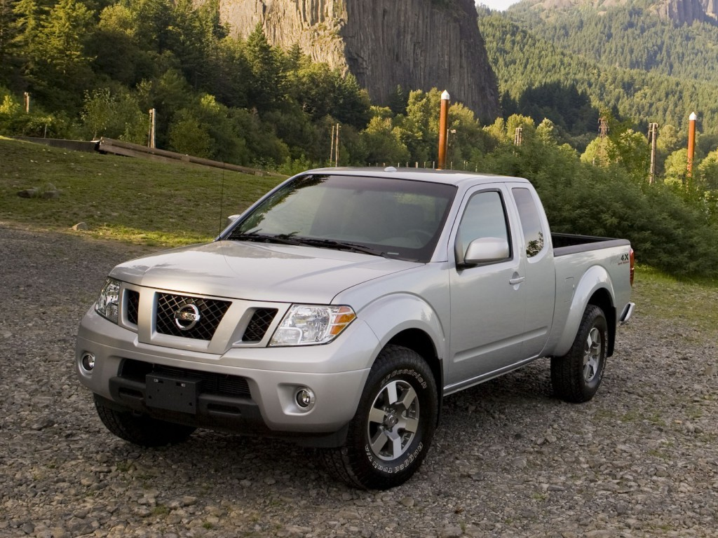 Old Nissan Frontier Soldiers On For 2017 At Least It S