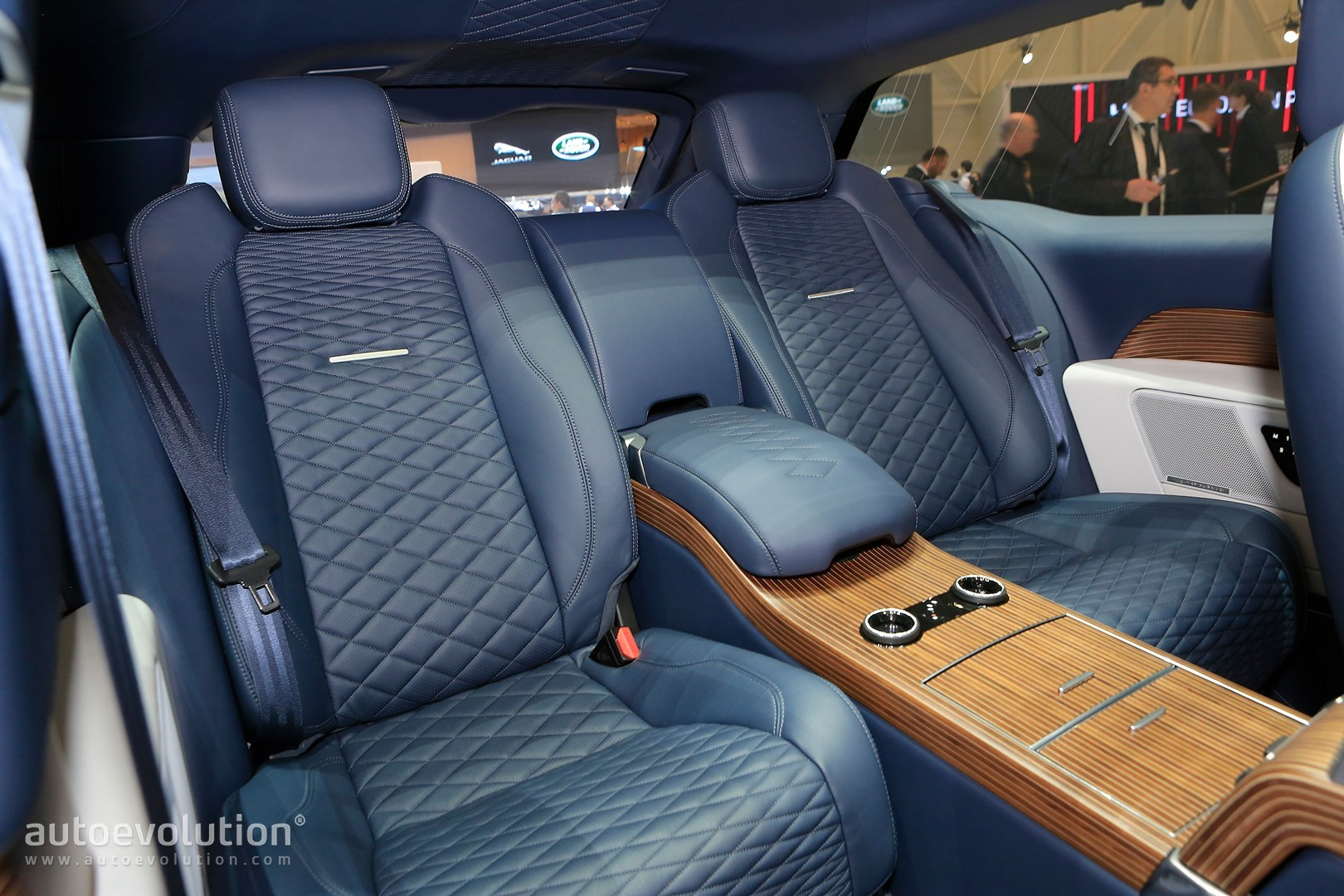 Range Rover SV Coupe Gets Sloping Roofline In Shocking