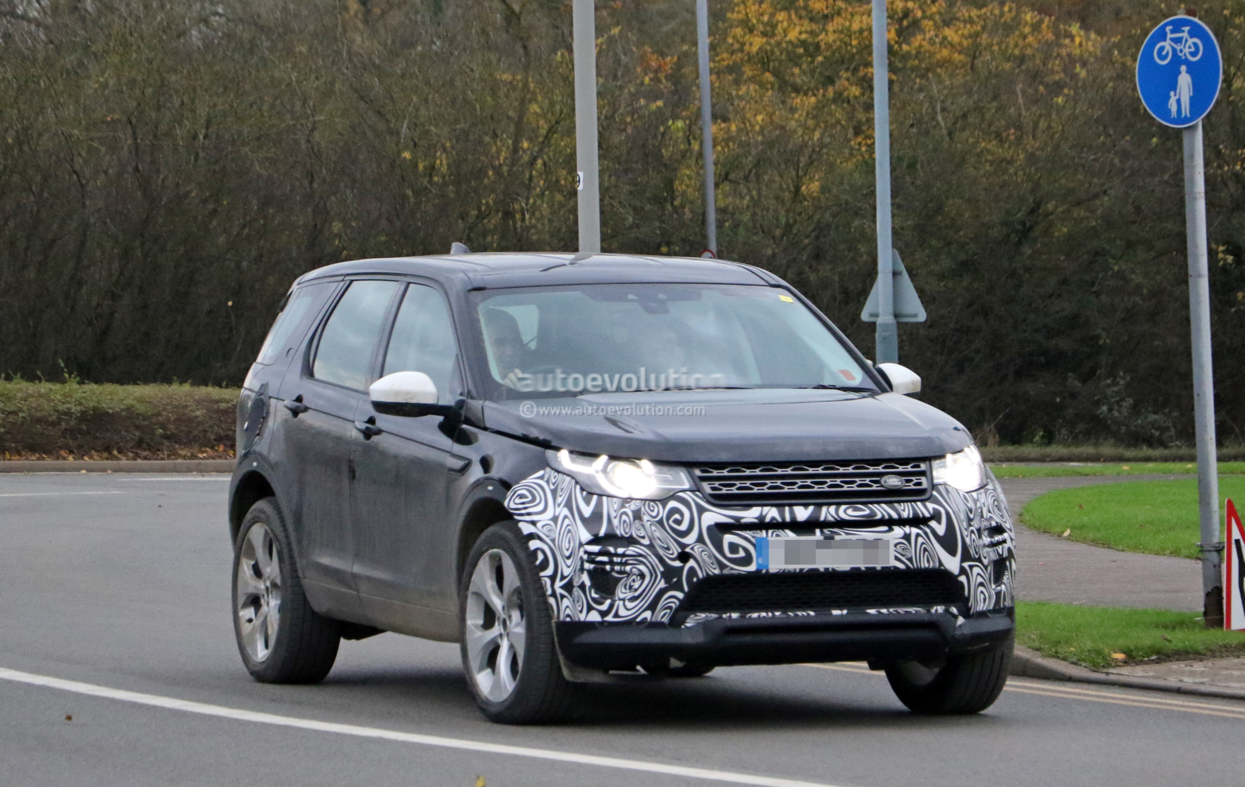 Spyshots 2019 Land Rover Discovery Sport Has Makeshift Fuel