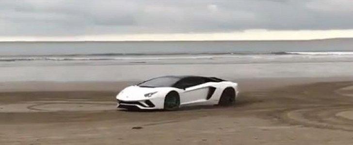 Lamborghini Aventador S Drops Rear Wheel Steering Drifts