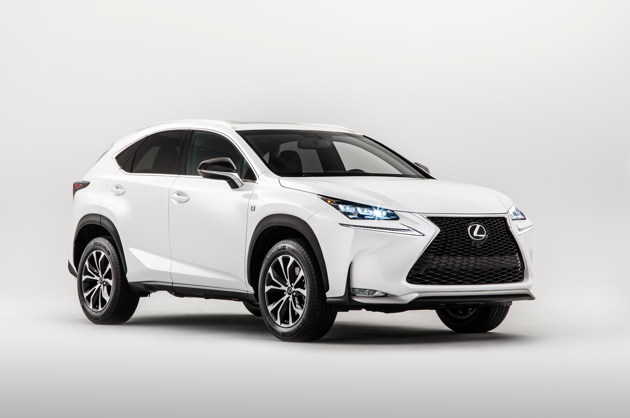 Lexus Overtakes Both BMW and Mercedes Be es Top Selling Luxury