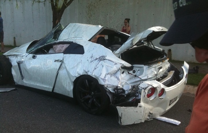 This Totaled Nissan GT R From Puerto Rico Makes You Sad