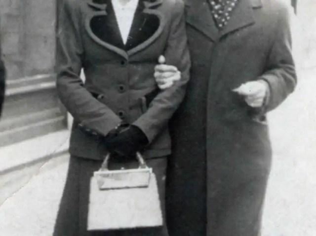 Eduardo Martínez Alonso, el médico, y su mujer.