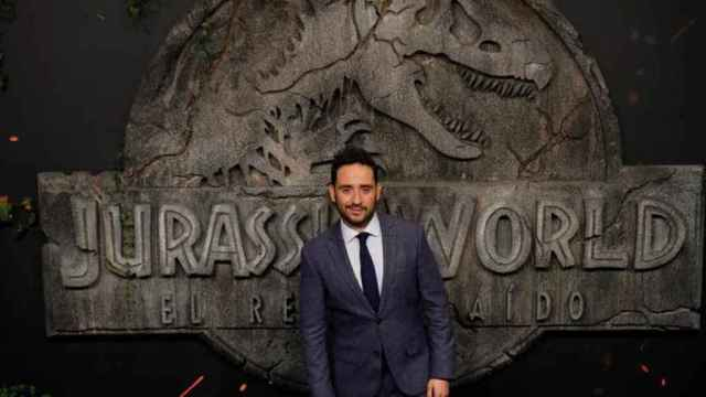 Resultado de imagen de ja bayona entre dinosaurios