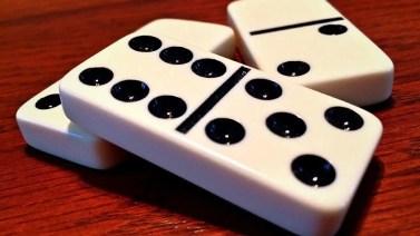 Cómo jugar al dominó