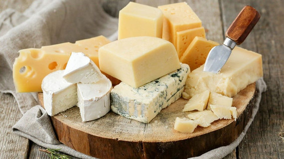 Cinco tipos de queso ordenados de más a menos saludables