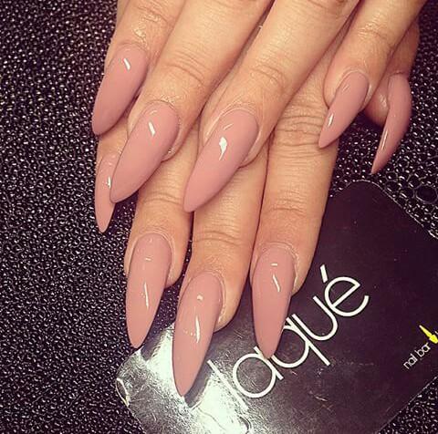 Afbeeldingsresultaat voor long nails beige