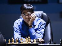 Go All In: If Anand wants to beat Carlsen now, he just has to risk everything