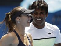 Australian Open: Paes-Hingis enter final, Sania-Soares ousted