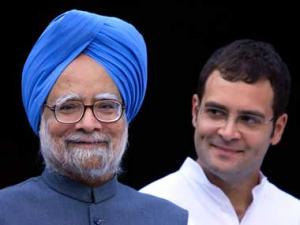 Why Manmohan Singh making way for Rahul is a bad gamble
