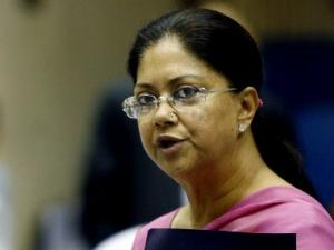 Rajasthan: Raje asks officials to ensure 24-hr domestic power supply