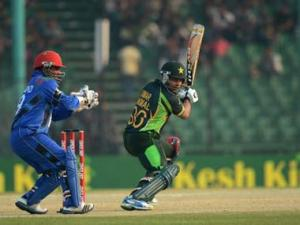 Asia Cup Live: Brilliant Umar Akmal carries Pakistan to 248/8