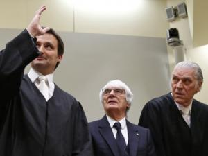 F1 boss Ecclestone rejects bribery charges as trial begins