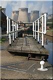 SE4824 : Ferrybridge Lock by Alan Murray-Rust