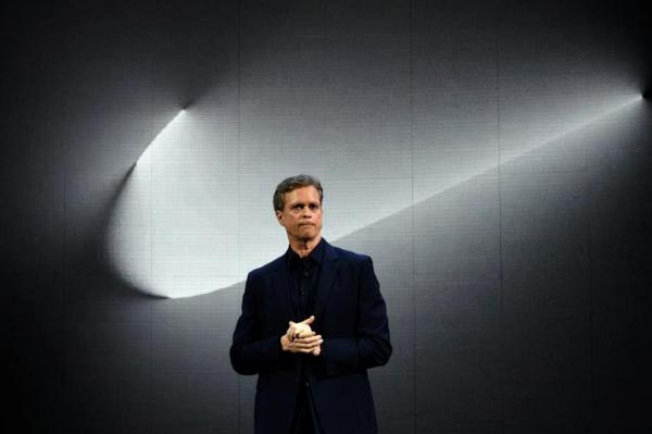 Nike CEO Resigns, Paypal Board Chairman To Step In: