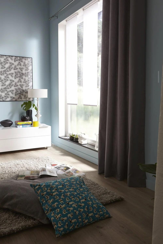 des rideaux gris pour votre baie vitree