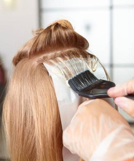 【月經保養】生理期禁忌!月經來可以染頭髮嗎?醫師這樣說…