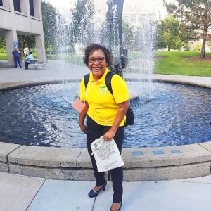 Despite depression, Reisa Roberts lives a life of giving