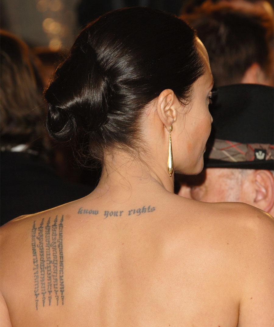 анджелина джоли жизнь в татуировках