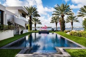 The pool area at 900 North Lake Way in Palm Beach.