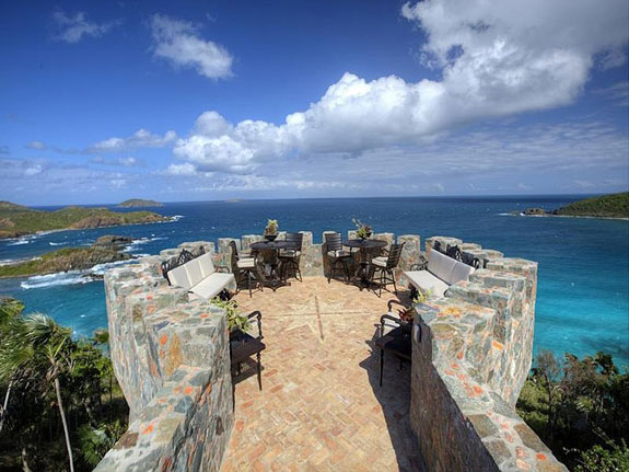 this-observation-deck-looks-like-something-youd-find-in-a-castle-not-a-residential-house