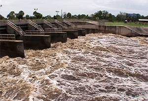 Discharges to lower Lake Okeechobee