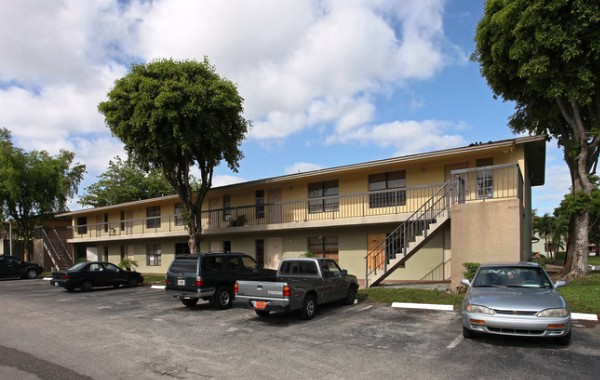 Palm Hill Apartments, 5101 Palm Hill Drive, West Palm Beach