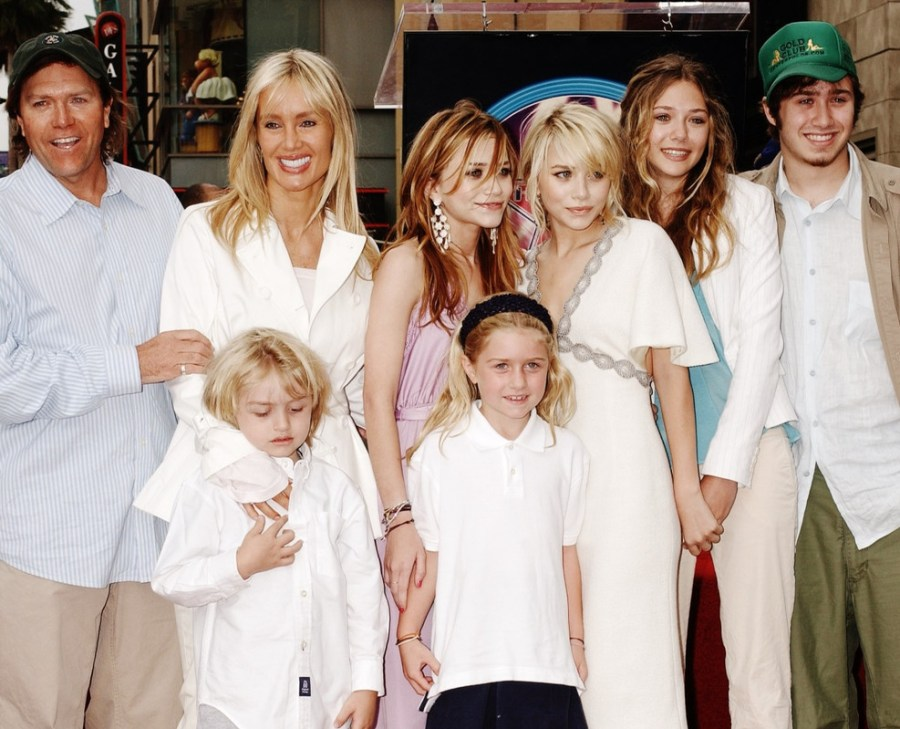 Ashley and Mary-Kate with their family