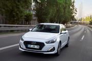 2019_Hyundai_i30_range_7