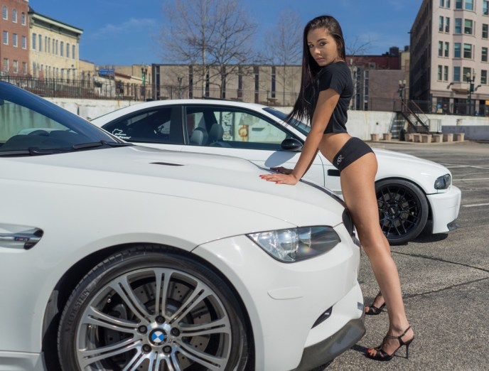 katelyn_frosolone_with_bmw_m3s_2_20170415