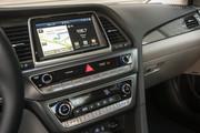2018_Hyundai_Sonata_Hybrid_4