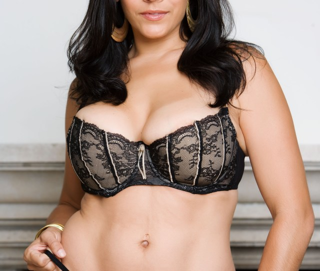 This Is The Hottest Cougar In The Business Say Hello To Raylene