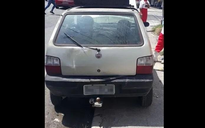 Fiat Uno tem mais de 3 mil multas sem serem pagas — Foto: Divulgação/PM