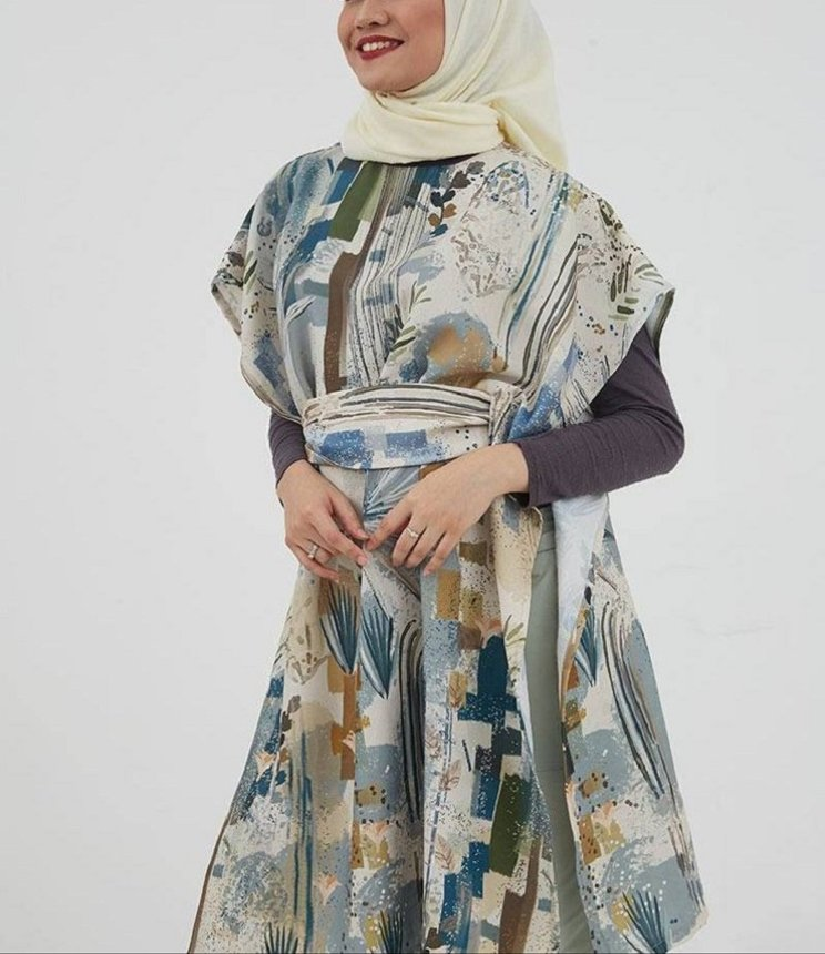Tips memilih gamis sesuai bentuk tubuh (Foto: Instagram @hijabenka)