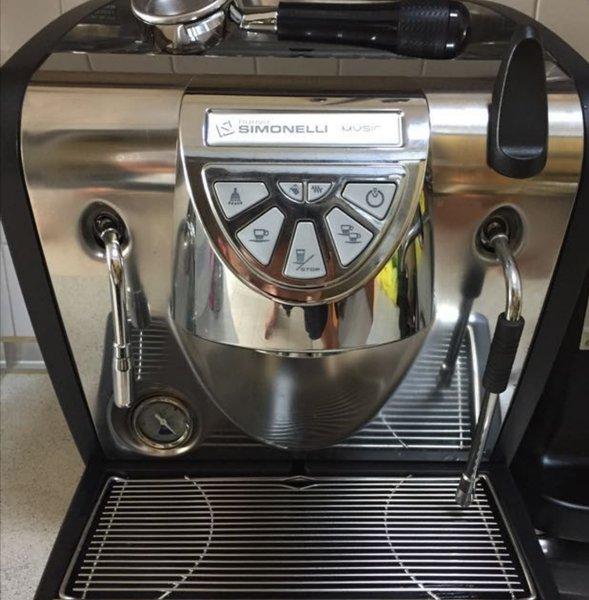 mesin kopi espresso nuova simonelli musica