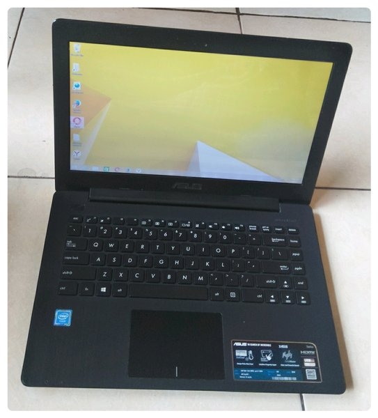 Laptop Asus x453SA Celeron N3050 Ram 2GB HDD 500GB Mulus Body Slim Good Condition
