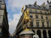 Statue of Jeanne d'Arc at Place des Pyramides