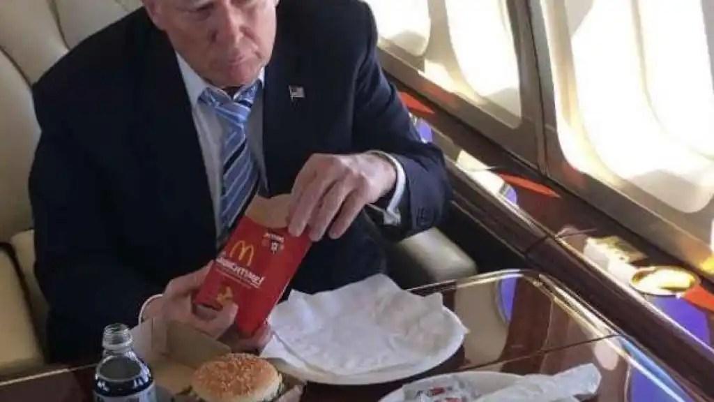 Dos Big Macs, pescado frito y batido de chocolate — Dieta de Trump