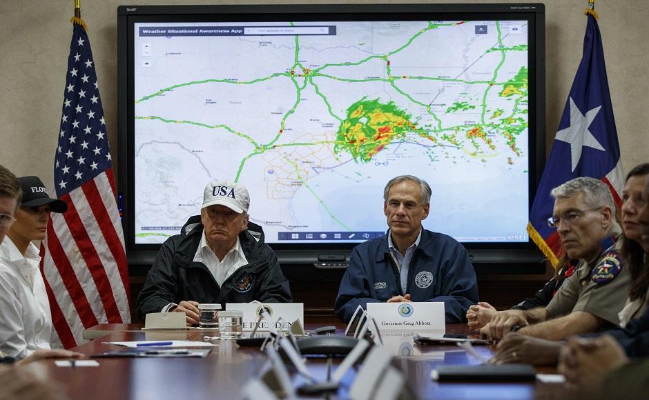Картинки по запросу trump harvey hurricane